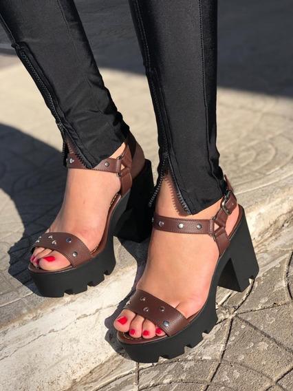 Sandália Salto Tratorado Anti-derrapante Pedraria 10cm
