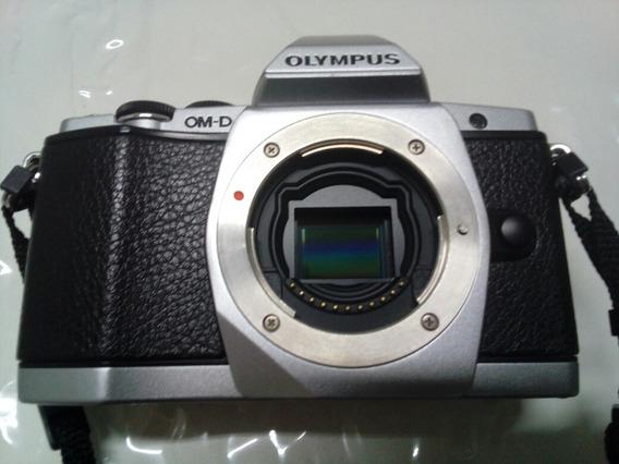 Camera Fotografica Olympus Om-d E-m5 Corpo
