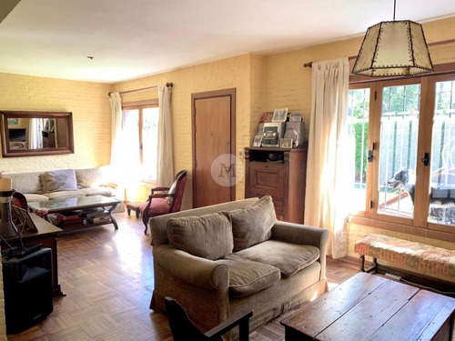 Muy Linda Casa Zona Christian - 4 Dormitorios Super Completa