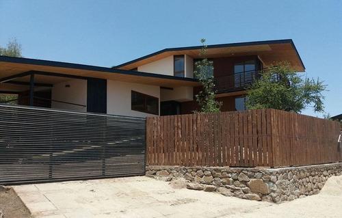 Gran Casa Dos Pisos En Comunidad Ecológica De Peñalolén
