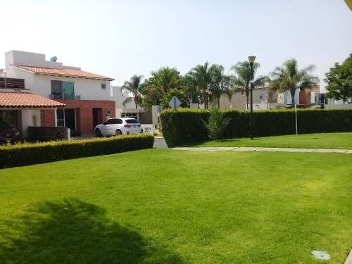 Preciosa Residencia En Claustros Del Campestre, 3 Recamaras, 3.5 Baños, Alberca