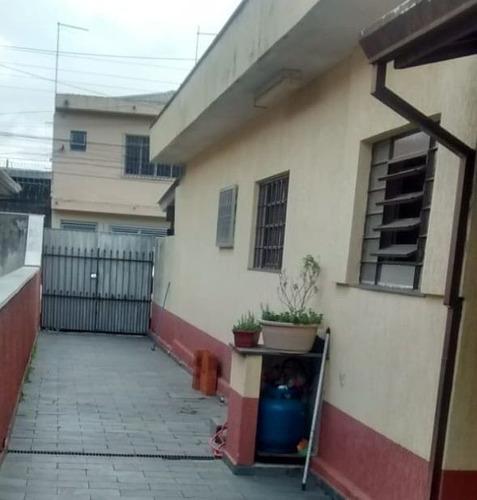 Casas - 3 Dormitórios             - 734