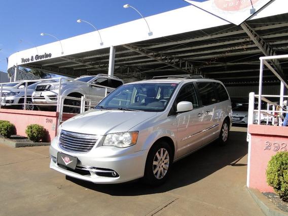 Chrysler Town & Country 3.6 Touring V6 24v Gasolina 4p