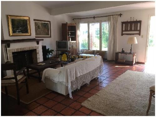Casa En La Brava De 3 Dormitorios Con Patio Con Churrasquera. Muy Cerca Del Mar. Consulte!!!!!- Ref: 2148