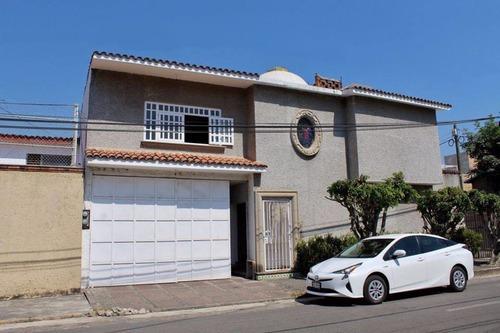 Casa Sola En Lomas De Cortes / Cuernavaca - Roq-448-cs