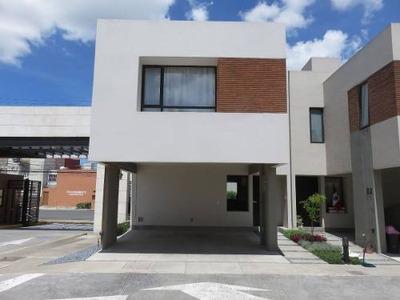 Venta Casa En Fraccionamiento Vindeza Toluca