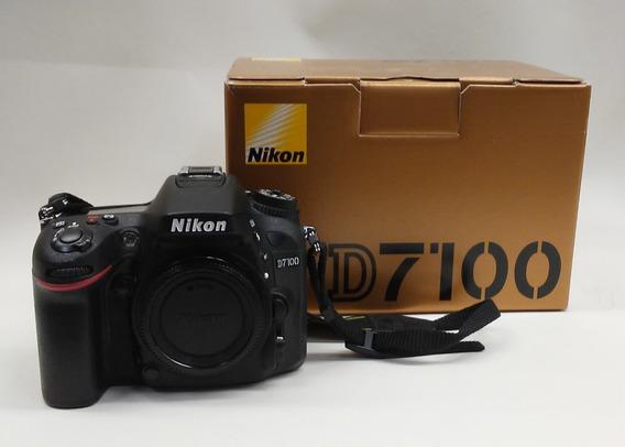 Nikon D7100 + Flash Sb600 + Lente 18-70