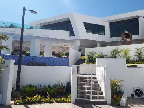 Casa - Fraccionamiento Colinas De San Miguel