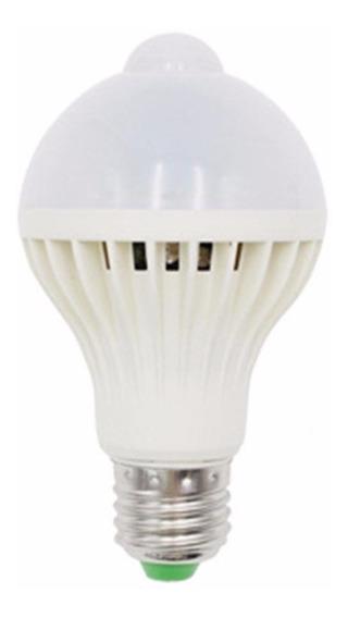 Lâmpada Bulbo Led C/sensor De Presença 9w Branco Frio Bivolt