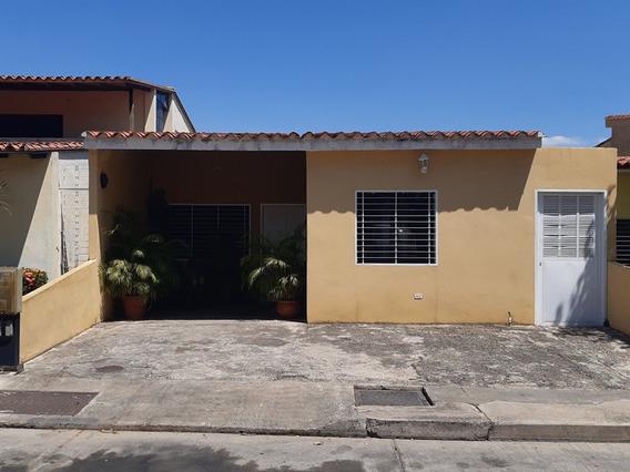 Casa En Venta - Villa Laguna Club San Diego Lili