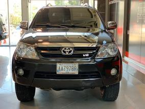Toyota Fortuner 1