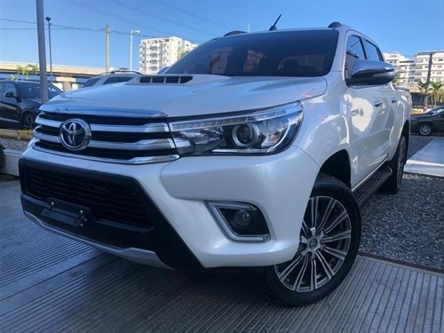 Toyota Hilux 2017 Full Clean