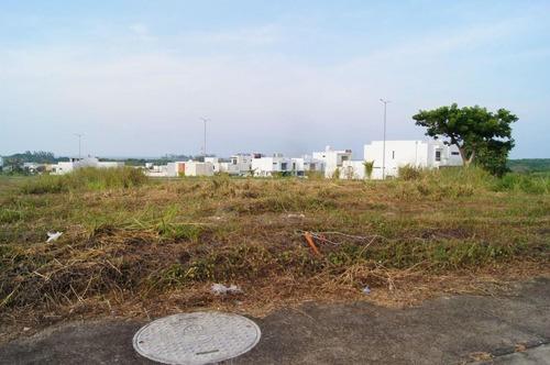 Terreno En Venta En Fracc. Real Mandinga. Vista Al Mar