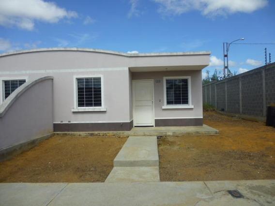 Casa En Venta Barquisimeto Norte Código 19-18504 Ar Lopez