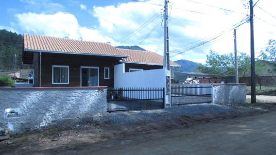 Duas Casas Novas + Terreno!