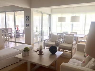 Apartamento Amueblado En Venta En Punta Cana