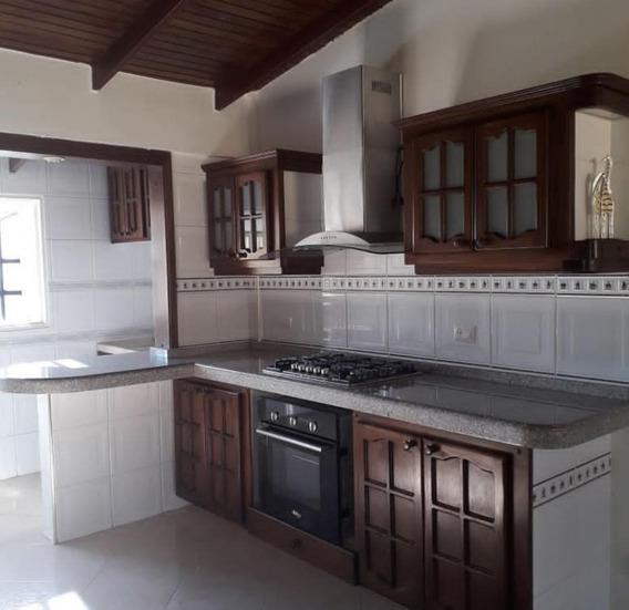 Disponible Bello Apartamento En Los Teques, Etapa Nueva.