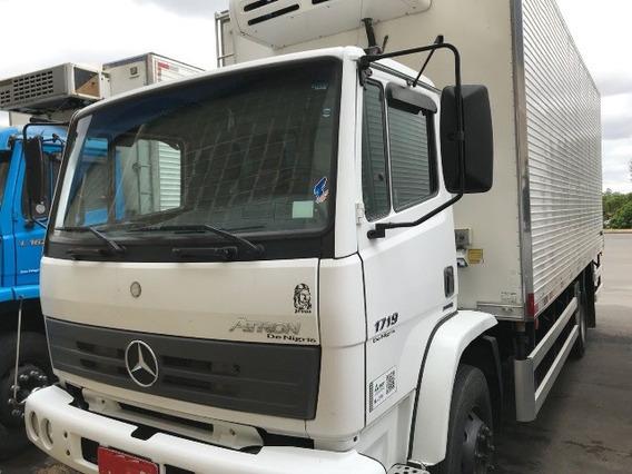 Mercedes Atron 1719 4x2 Ano 2014/2014 Frigorífico Gancheir