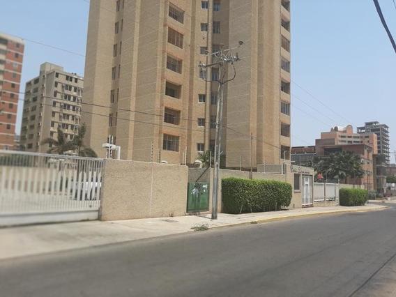 Apartamento En Alquiler Calle 72 Mls #20-17568 Isabel B.