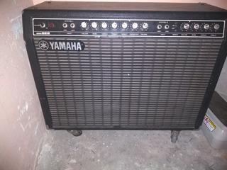 Amplificador Yamaha B212