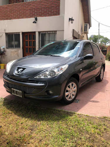 Peugeot 207 1.4 Sedan Xs 2012