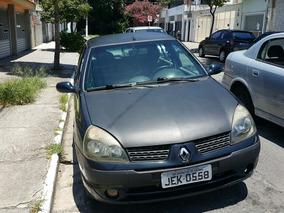 Renault Clio 1.0 16v Privilège 5p 2004