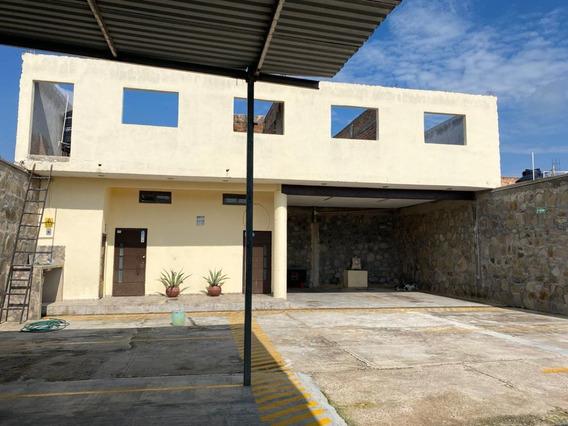 Venta De Casa Ideal Para Oficinas En Guadalajara