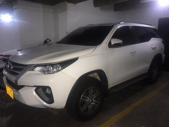 Toyota Fortuner Automatica Diesel 2,4 Super Blanco