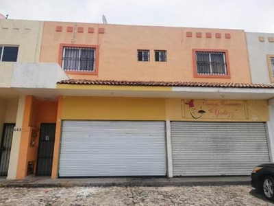 Departamento En Venta La Rivera, Col; Con Departamento En Planta Alta; Por Prol. Av. Anastacio Brizuel