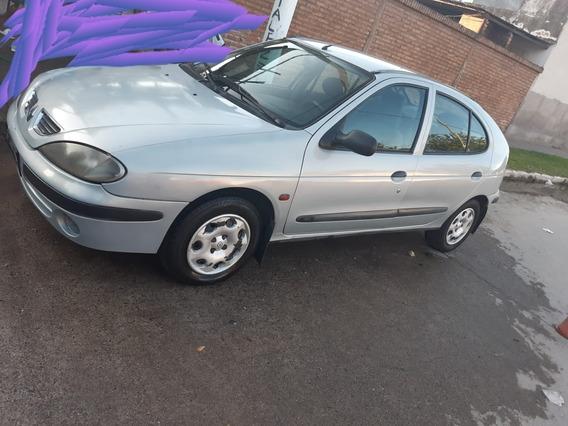 Renault Mégane 3813283853