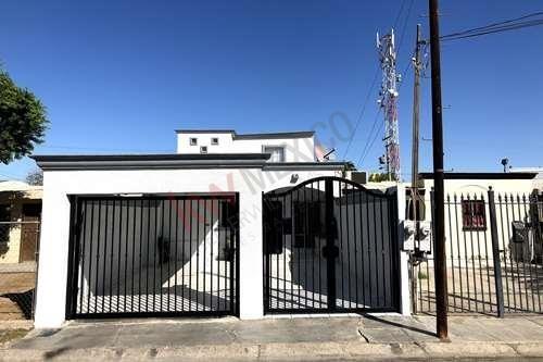 Casa En Venta - Fracc Villa Bonita - Mexicali Baja California