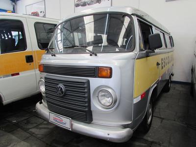 Volkswagen Kombi Escolar 2010