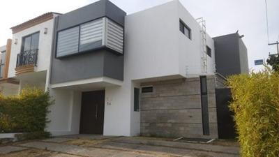 Casa En Renta Dentro De Bonito Coto