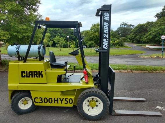 Empilhadeira Clark C300 Hy50 Revisada - Cap.2500kg