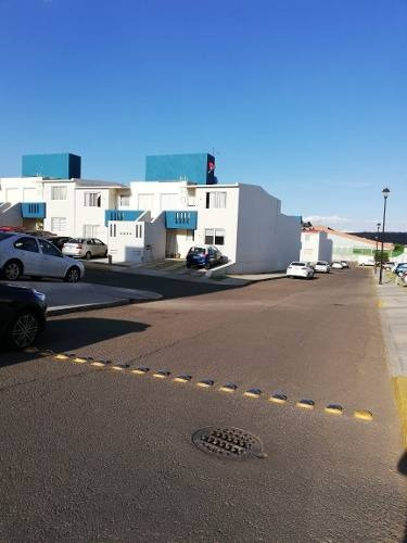 Departamento En San Pedrito Peñuelas, 2 Recamaras, 2 Baños, Alberca, Sala Tv,.