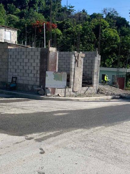 Terreno Para Construir Y Local Comercial.