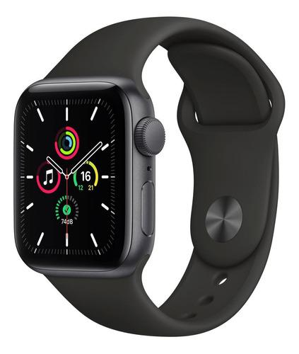 Imagem 1 de 8 de Apple Watch SE (GPS, 40mm) - Caixa de alumínio cinza-espacial - Pulseira esportiva Preto