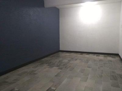Casa Duplex, Recien Remodelada