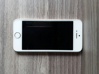 iPhone Se 16g Silver