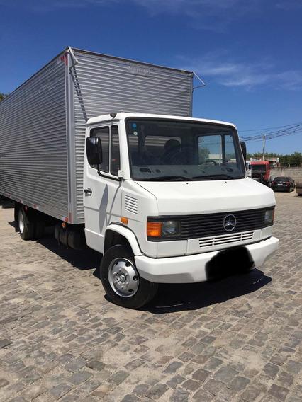 Mercedes-benz 710 Com Baú De 6,20 M