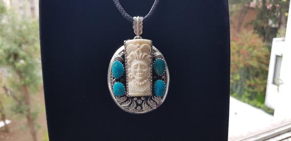 Dije Navajo De Plata Con Guerrero Tallado Y Turquesas