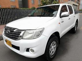 Toyota Hilux Diesel 4x4 M/t 2500 Cc