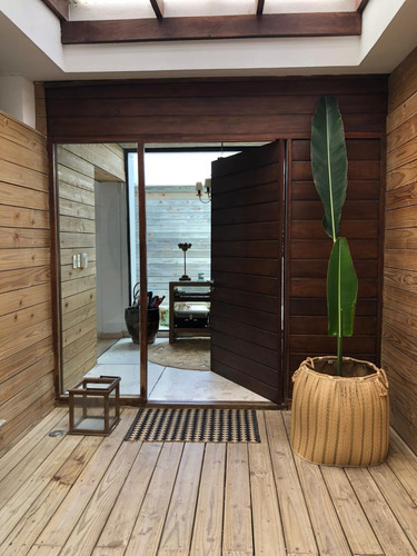 Casa Moderna En Lomas De La Tahona
