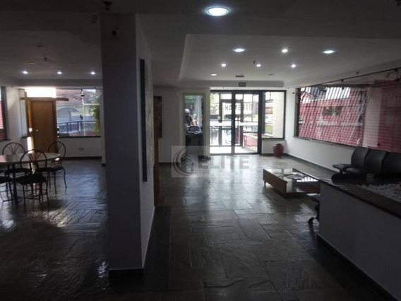 Centro - Excelente Sala Comercial Com 67m2 De Au - Prédio Com Elevador E 1 Vaga De Garagem - Sa0332