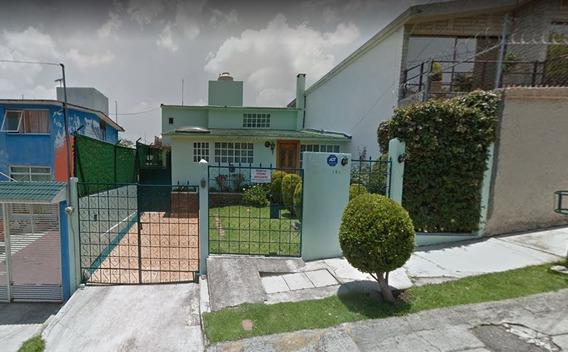Casa En Venta En Jardínes De San Mateo **remate Bancario**