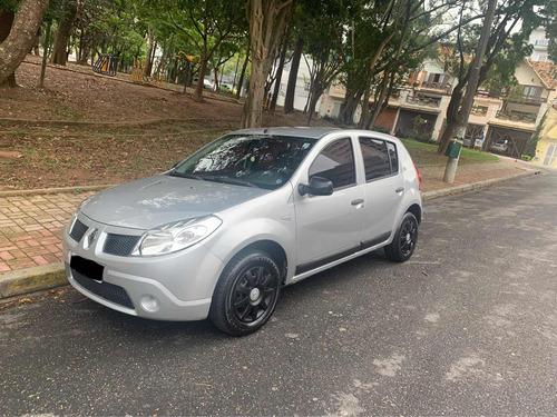 Imagem 1 de 9 de Renault Sandero 2010 1.0 16v Expression Hi-flex 5p