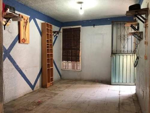 Casa En Villas De Ecatepec, De 3 Niveles