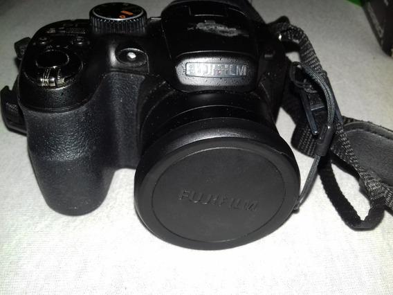 Câmera Fujifilm S2950 Preta Semi Profissional