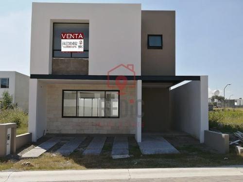 Venta. Casa 3 Hab. En Corregidora, Cañadas Del Arroyo