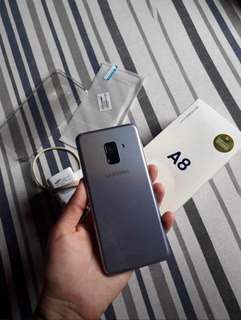 Celular Samsung Galaxy A8 2018 - Seminovo